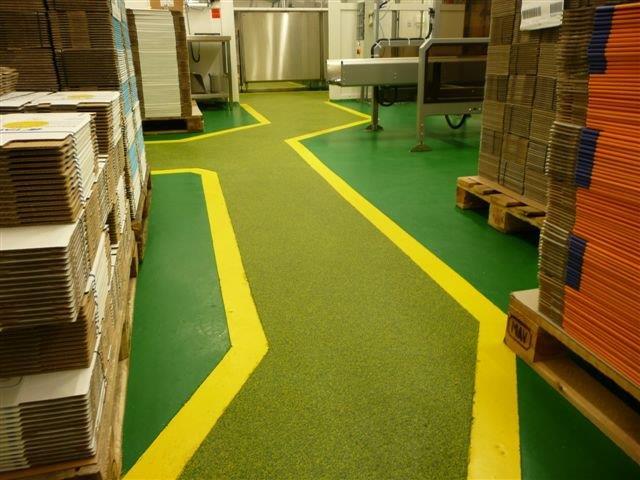 Industrieboden mehrfarbig - Coloritquarz-Einstreuung