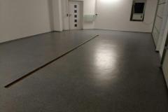 Garage - Chips-Einstreuung mit Rinne